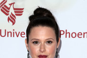 Katie Lowes Hair Knot