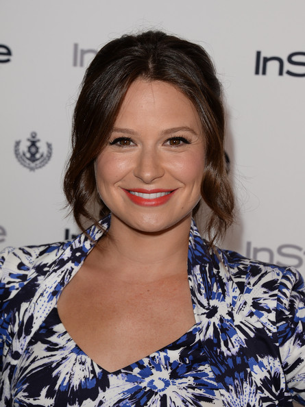 Katie Lowes Bright Lipstick