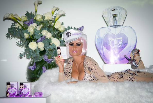 http://www4.pictures.stylebistro.com/gi/Katie+Price+Precious+Love+Perfume+Launch+4ROJt96fOAll.jpg