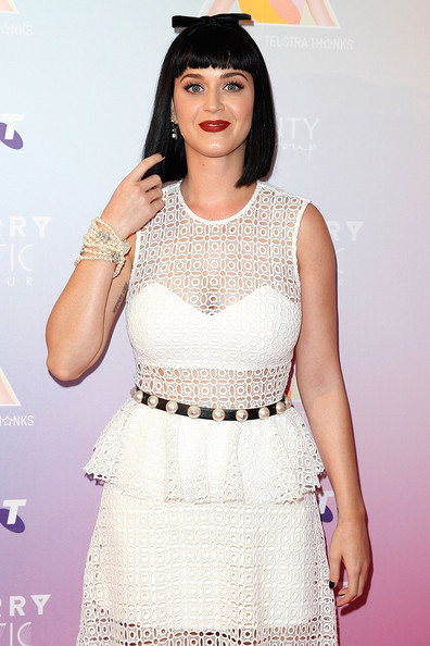 Katy Perry Pearl Bracelet [white,fashion model,beauty,lady,fashion,dress,girl,photo shoot,flooring,long hair,katy perry,media call,media,george street,sydney,australia,telstra hq]