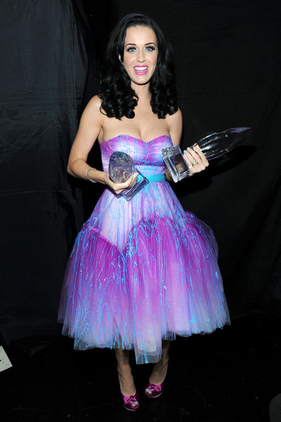 katy perry aka katy brand winner of the favorite pop artist and ...
