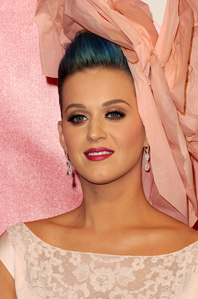 Katy Perry Dangling Diamond Earrings [musicares person of the year tribute to,paul mccartney,katy perry,arrivals,hair,face,eyebrow,lip,pink,skin,hairstyle,beauty,eyelash,chin,los angeles convention center,california]