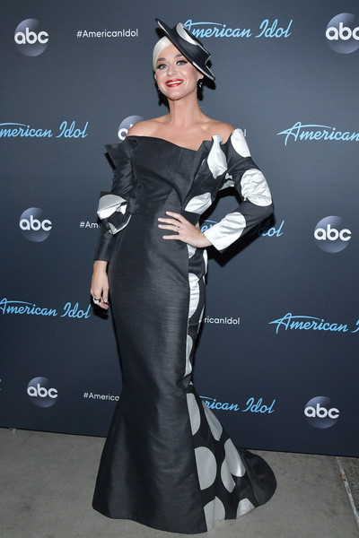 Katy Perry Off-the-Shoulder Dress [american idol,american idol finale,clothing,dress,shoulder,fashion model,fashion,beauty,carpet,lady,hairstyle,gown,arrivals,katy perry,california,los angeles,abc]