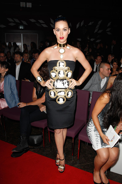 Katy Perry Strapless Dress [fashion model,fashion,dress,clothing,shoulder,event,leg,thigh,joint,haute couture,sydney,australia,aria awards 2014 - show,aria awards,the star,katy perry]
