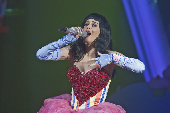 Katy Perry Fingerless Gloves [katy perry performs live,california dreams,performance,entertainment,performing arts,singing,stage,music artist,singer,event,song,music,katy perry,hammersmith apollo,uk,england,london,hmv,tour]