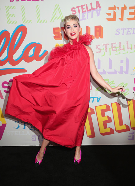Katy Perry Evening Pumps [stella mccartney,katy perry,clothing,pink,red,shoulder,flooring,dress,carpet,magenta,fashion,costume,autumn 2018 collection launch,los angeles,california]