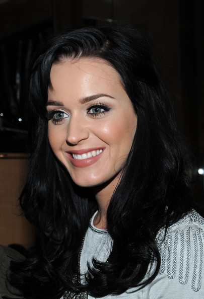 Katy Perry Long Wavy Cut with Bangs [hair,face,eyebrow,lip,hairstyle,beauty,black hair,smile,lady,chin,katy perry,giuseppe zanotti,world,new york city,giuseppe zanotti boutique,fashion,night out]