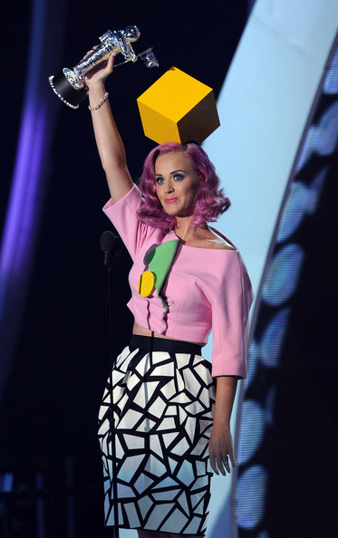 Katy Perry Cropped Jacket [performance,fashion,music artist,fashion design,event,talent show,fun,performing arts,fashion model,fashion show,katy perry,2011 mtv video music awards,award,california,los angeles,nokia theatre l.a. live,show,video of the year]