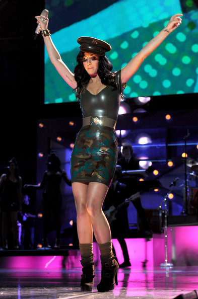 Katy Perry Socks [uso presents ``vh1 divas salute the troops,performance,entertainment,performing arts,event,performance art,public event,music artist,fashion model,thigh,stage,katy perry,vh1 divas salute the troops,mcas miramar,california,uso,pt,show,concert event]