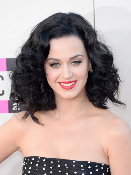 Katy Perry Medium Curls [hair,hairstyle,face,shoulder,lip,eyebrow,black hair,ringlet,beauty,long hair,arrivals,katy perry,american music awards,nokia theatre l.a. live,los angeles,california]
