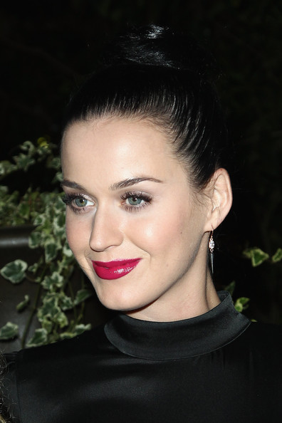Katy Perry Hair Knot