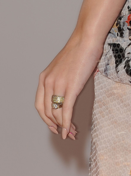 Katy Perry Wedding Band [ring,nail,engagement ring,finger,jewellery,hand,fashion accessory,diamond,manicure,wedding ring,arrivals,katy perry,american music awards,los angeles,california,nokia theatre l.a. live]