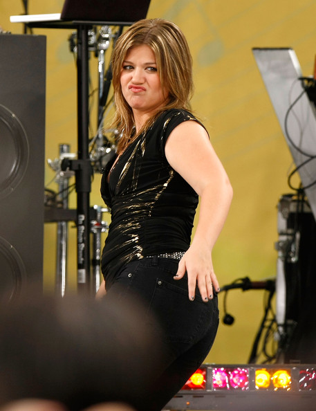 Kelly clarkson cespedes family barbecue for Kelly clarkson tattoo