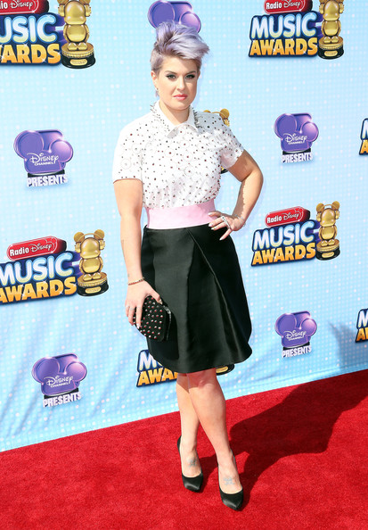 Kelly Osbourne Knee Length Skirt [clothing,carpet,footwear,flooring,dress,red carpet,premiere,style,arrivals,kelly osbourne,california,los angeles,nokia theatre l.a. live,radio disney music awards]