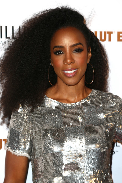 Kelly Rowland Afro [hair,hairstyle,black hair,long hair,jheri curl,lip,s-curl,cocktail dress,lace wig,ringlet,john terzian,val vogt,kelly rowland,serena williams benefiting imagine la,the peppermint club,california,los angeles,imagine ball]