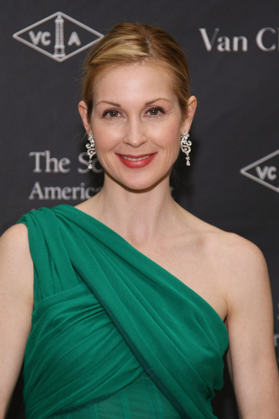 Kelly Rutherford Berry Lipstick