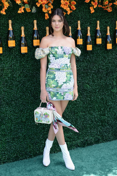 Kendall Jenner Off-the-Shoulder Dress [green,fashion model,footwear,flooring,joint,fashion,shoulder,leg,carpet,thigh,arrivals,kendall jenner,jersey city,new jersey,liberty state park,veuve clicquot polo classic]