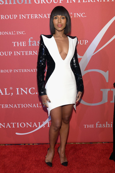 Kerry Washington coordinated her dress with a pair of Gianvito Rossi plexi pumps.