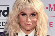 Kesha Medium Wavy Cut with Bangs