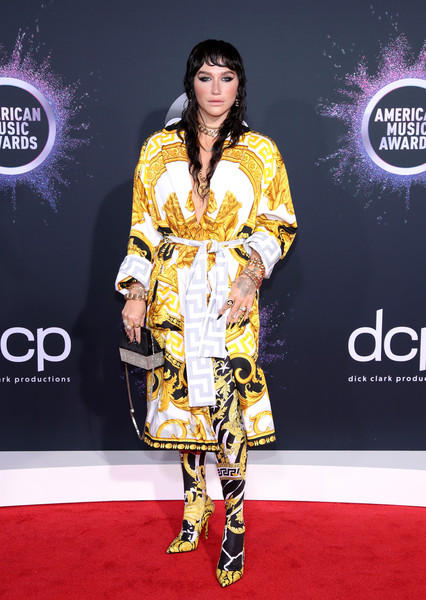 Kesha Printed Coat [red carpet,carpet,clothing,fashion model,fashion,yellow,flooring,fashion design,premiere,dress,arrivals,kesha,american music awards,microsoft theater,los angeles,california]