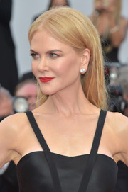 Nicole Kidman kept it low-key with this straight side-parted 'do at the Cannes Film Festival premiere of 'The Killing of a Sacred Deer.'