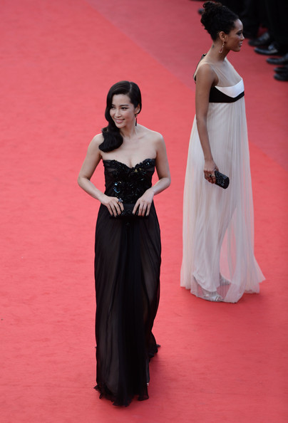 More Pics of Li Bingbing Long Wavy Cut (3 of 23) - Li Bingbing Lookbook - StyleBistro