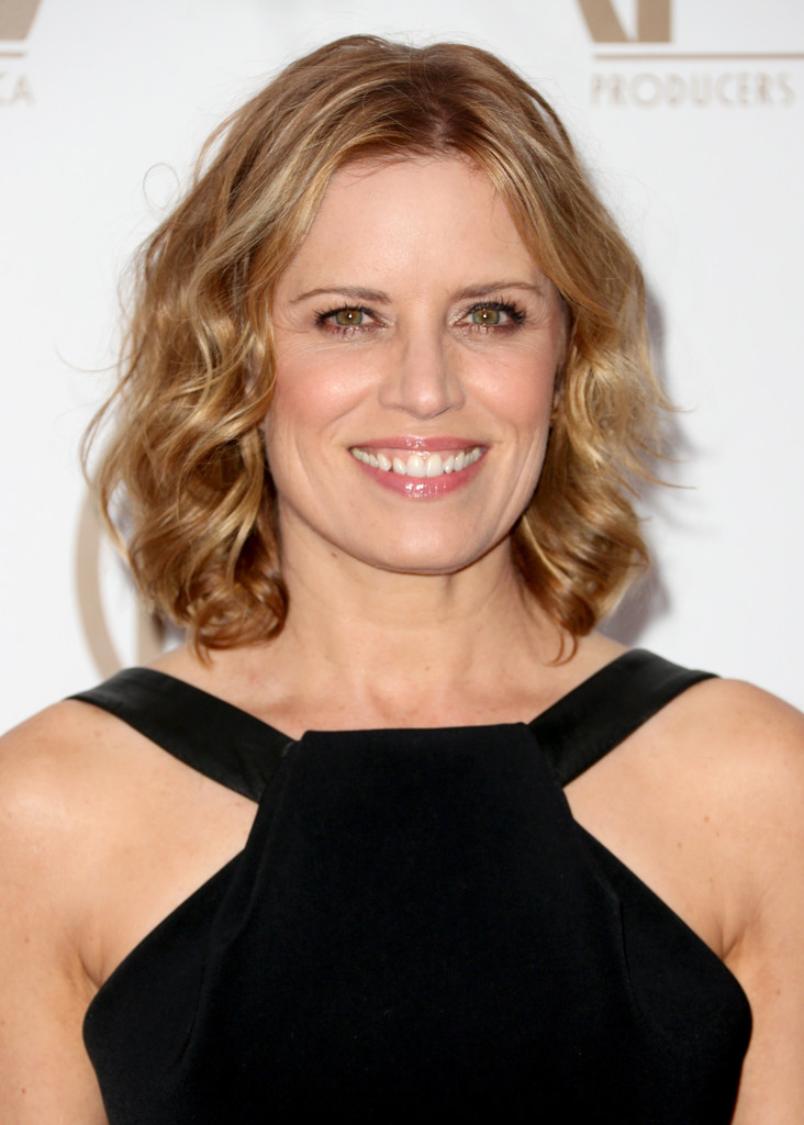 Kim Dickens Short Curls Short Hairstyles Lookbook