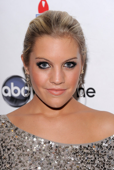 Kristen Alderson Sterling Dangle Earrings [hair,face,hairstyle,eyebrow,lip,blond,beauty,shoulder,chin,eyelash,kristen alderson,the new york marriott marquis,new york city,abc soapnet salute broadway cares/equity fights aids benefit closing celebration,soapnet salute broadway cares/equity fights aids benefit,closing celebration,abc]