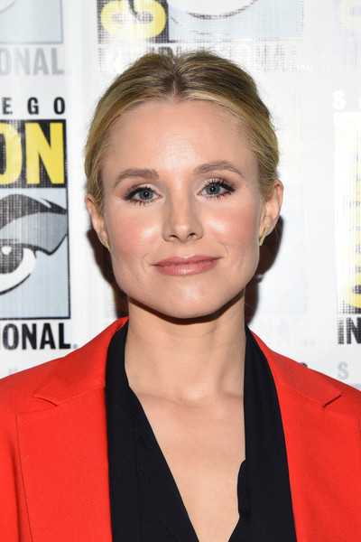 Kristen Bell Classic Bun [the good place press line,hair,face,hairstyle,eyebrow,lip,blond,chin,premiere,forehead,magazine,kristen bell,the good place press line,san diego,california,hilton bayfront,comic-con international,comic-con international 2018]