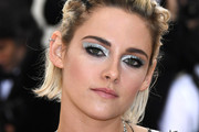 Kristen Stewart Metallic Eyeshadow