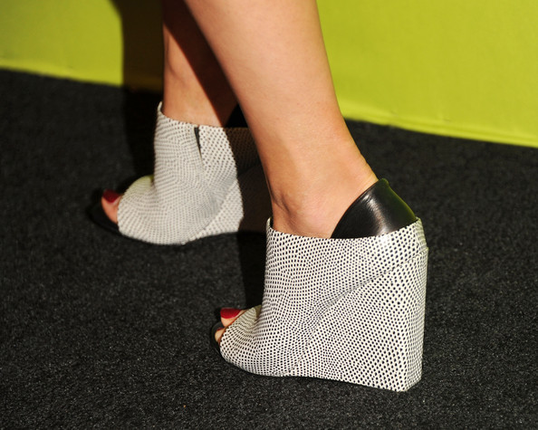 Kristin Kreuk Shoes