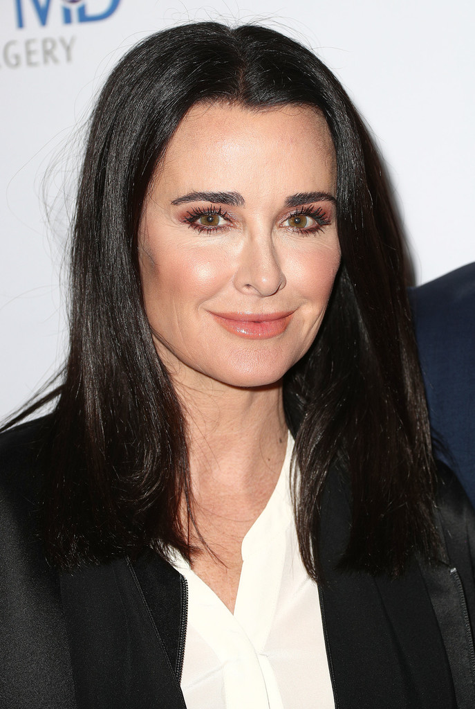 Kyle Richards Looks Stylebistro