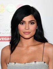 Kylie Jenner made an appearance at the Sugar Factory American Brasserie sporting a feathery side-parted 'do.