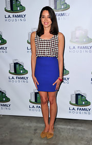 Aubrey Plaza showed off her slim physique in a sleeveless print blouse and a tight blue skirt at the LA Family Housing Awards.