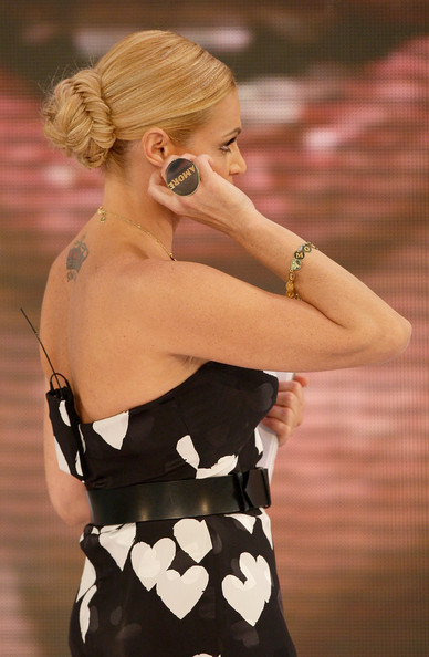 """You couldn't help but notice Simona Ventura's ring. It was huge and engraved with the word """"Amore."""""""