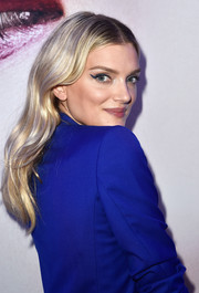 Lily Donaldson wore gorgeous loose waves at the L'Oreal Paris Blue Obsession party.