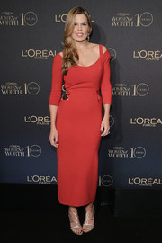 Mary Alice Stephenson looked svelte and sophisticated in a fitted red dress during the L'Oreal Paris Women of Worth celebration.