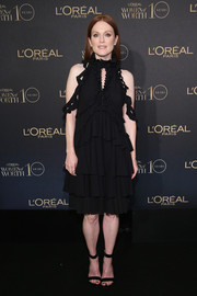Simple black ankle-cuff sandals finished off Julianne Moore's look.