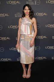Freida Pinto looked effortlessly stylish in a multicolored micro-beaded top by Bibhu Mohapatra at the L'Oreal Paris Women of Worth celebration.