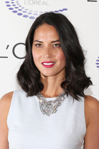More Pics of Olivia Munn Medium Wavy Cut (2 of 12) - Medium Wavy Cut Lookbook - StyleBistro