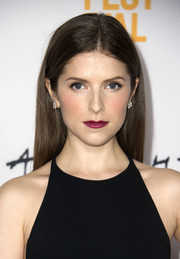 Anna Kendrick splashed some color with a berry lip.
