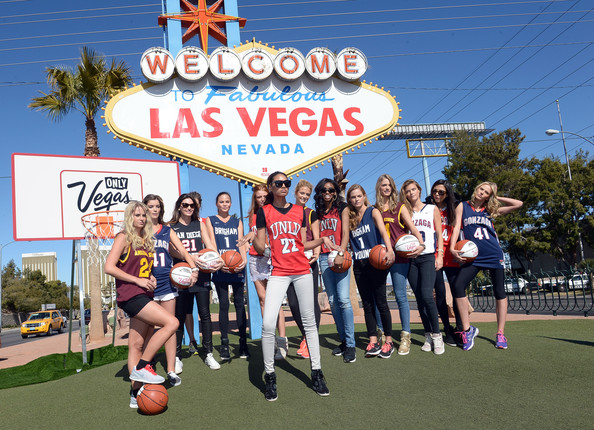 Sports Illustrated Swimsuit Models Take Las Vegas - PHOTOS