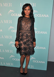 Black patent pumps gave Kerry Washington's ladylike lace dress a classic finish.