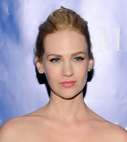 January Jones emphasized her blue eyes with bold sapphire sweeps.