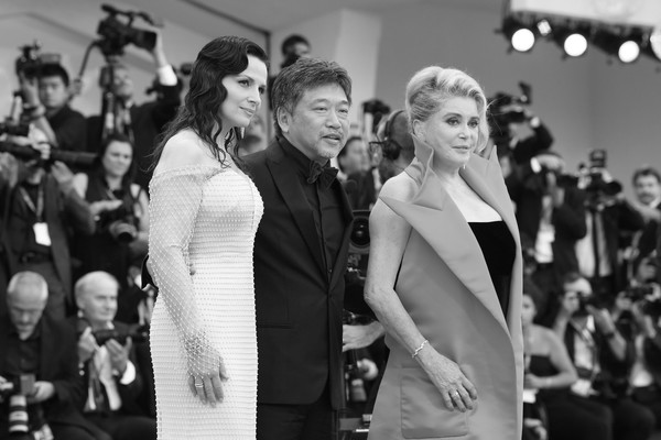 More Pics of Catherine Deneuve Messy Updo (1 of 36) - Catherine Deneuve Lookbook - StyleBistro [la v\u00e9rit\u00e9,image,photograph,facial expression,black-and-white,monochrome,fashion,monochrome photography,event,snapshot,dress,photography,red carpet arrivals,juliette binoche,catherine deneuve,hirokazu koreeda,sala grande,red carpet,opening ceremony,76th venice film festival]