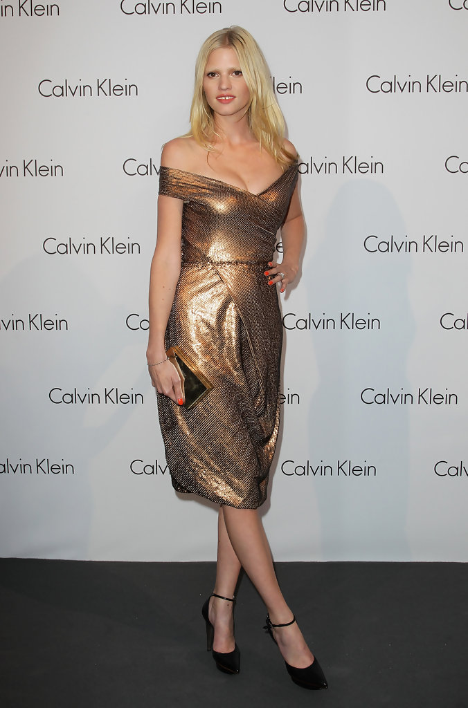 lara stone calvin klein dress - photo #20