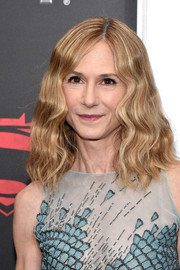 Holly Hunter wore a shoulder-length wavy 'do with an off-center part at the 'Batman v Superman' premiere.