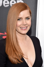 Amy Adams wore her hair sleek straight with a side part when she attended the 'Batman v Superman' premiere.