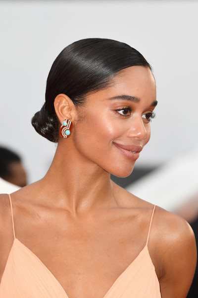 Laura Harrier Chignon