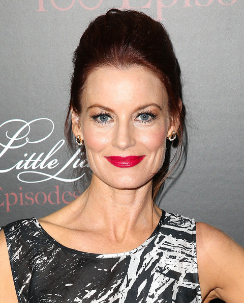 Laura Leighton Ponytail [pretty little liars,episodes,hair,lip,face,eyebrow,hairstyle,skin,chin,beauty,nose,forehead,laura leighton,w hollywood,hollywood,california,episode celebration]